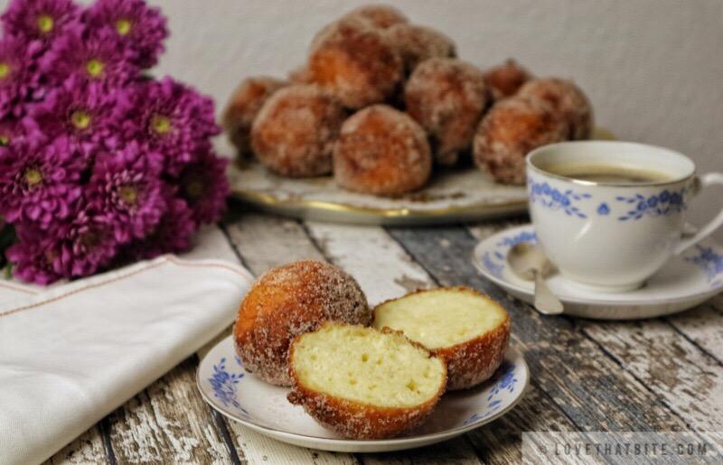 German fried cheese balls – Quarkbällchen