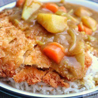 tonkatsu, curry, sauce, japan, japanese, recipe, pork, cutlet, crisp, crunchy, tasty, closeup, carrots, potatoes, onion, celery, sauce, curry