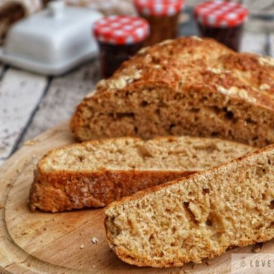 quick, bread, soda, Irish, Ireland, recipe, jam, butter, easy, baking, no-yeast, buttermilk, traditional