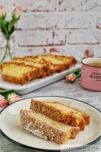lightning loaf cake, blitzkuchen, fettfreier, German, recipe, Oma, Grandma, tea, roses, tea time, powdered sugar, fluffy, cake, loaf