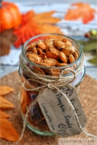 roasted pumpkin seeds, roast, recipe, spice, delicious, snack, recipe, rezept, pumpkin, kürbis, jar, fun