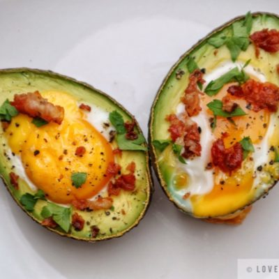 baked, avocado, egg, boats, recipe, delicious, brunch, breakfast, healthy, bacon bits, parsley, fresh, ingredients, egg-cellent
