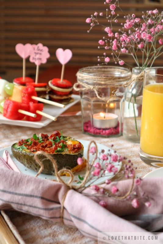 breakfast in Bed, special, occasion, Mother's Day, surprise, show love, Mom, breakfast, brunch, recipe, uncomplicated, sweet, gorgeous, beloved, valentine